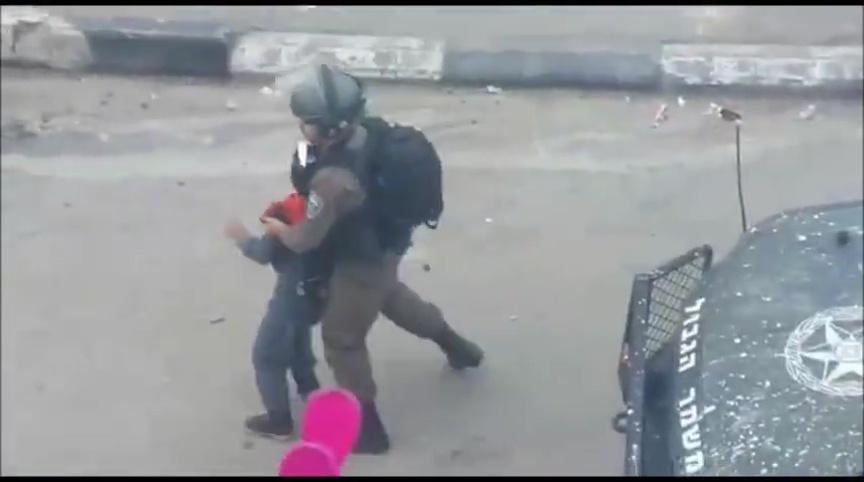 Video: Izraelski vojnici hapse palestinsku djecu