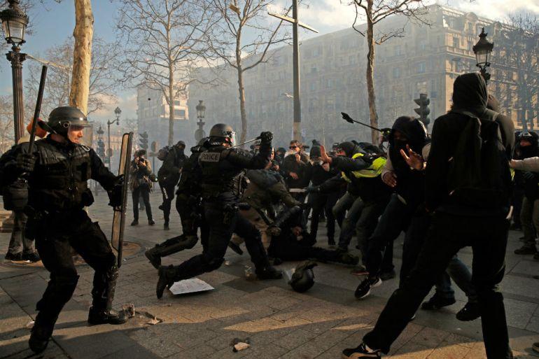 Zabranjuju se protesti 'Žutih prsluka' na Elizejskim poljanama | Francuska  News | Al Jazeera