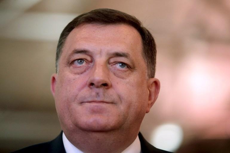 Dodik koji priznaje genocid se, za deceniju i po, kameleonski transformiše u Dodika koji bulazni da su 'Potočari vojno groblje', piše autor (Reuters)