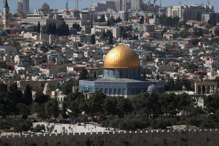 Učenjaci traže povlačenje Izraela sa svih okupiranih područja, među kojima je i džamija Al-Aqsa (EPA)
