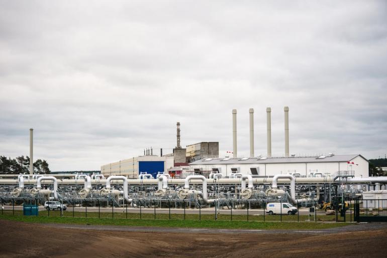 Plinovod Sjeverni tok 2, koji ispod Baltičkog mora povezuje Rusiju i Njemačku, već dugo je sporno pitanje u odnosima Berlina i Washingtona (EPA)