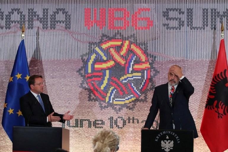 Komesar Evropske unije za susjedstvo i proširenje Oliver Varhelyi i premijer Albanije Edi Rama (Reuters)