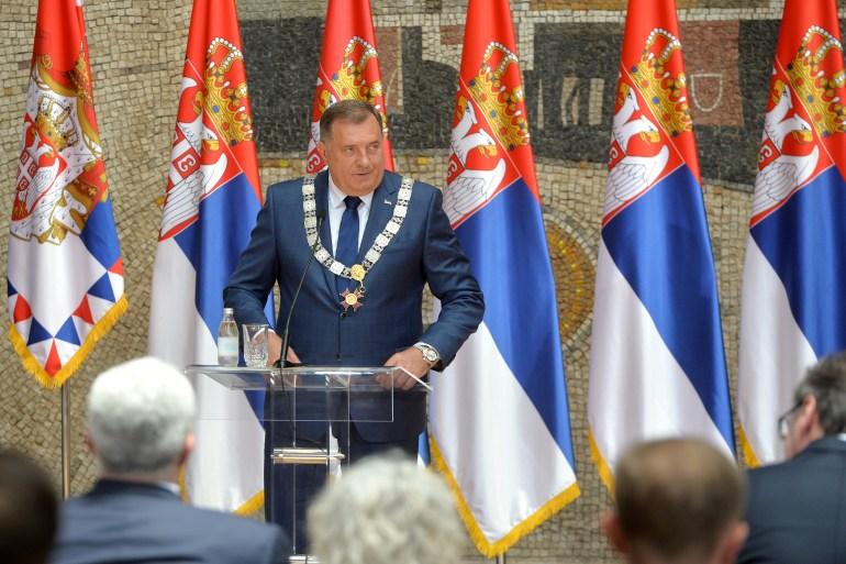 Aleksandar Vučić uručio je Miloradu Dodiku najveće državno priznanje Srbije (Zoran Žestić / Tanjug)