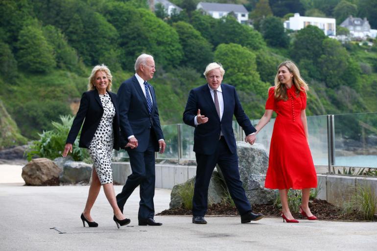 Joe Biden i Boris Johnson sastali su se uoči samita Grupe 7 industrijski najrazvijenijih zemalja (EPA)