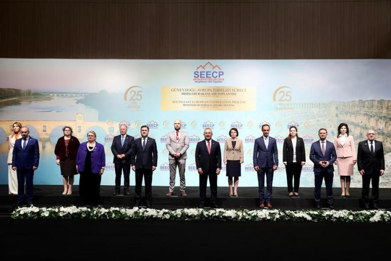 Učesnici samita u Antaliji su informirani o ukidanju roaminga za države Zapadnog Balkana od 1. jula (EPA)