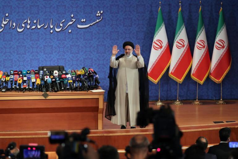 Ebrahim Raisi na održao prvu konferenciju za novinare od kako je u petak pobijedio na izborima (EPA)