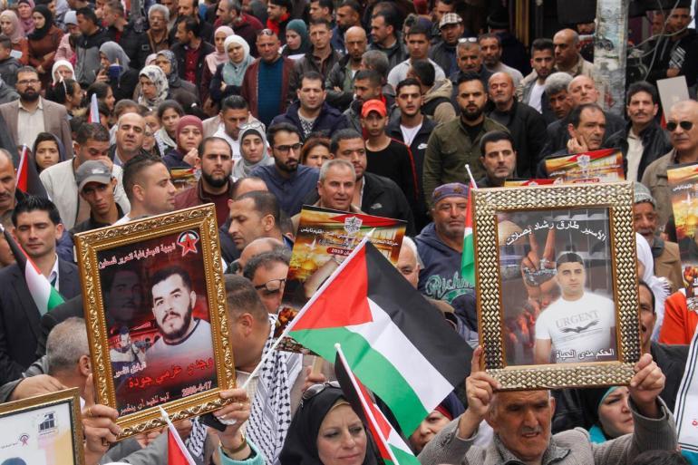 Palestinski protesti u znak protivljenja zakonu kojim se oduzimaju novčana sredstva predviđena za zatvorenike i porodice mučenika (Al Jazeera)