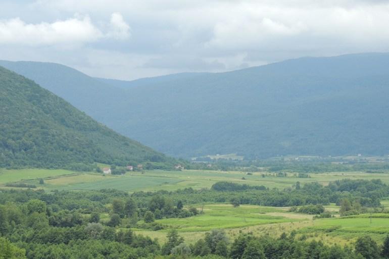 Skoro milion hektara zemlje koja se prije rata obrađivala stoji neobrađeno (Fahrdun Vojić/Ustupljeno Al Jazeeri)