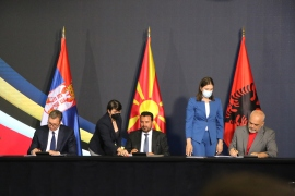Premijer Sjeverne Makedonije Zoran Zaev, njegov albanski kolega Edi Rama i predsjednik Srbije Aleksandar Vučić (Anadolija)