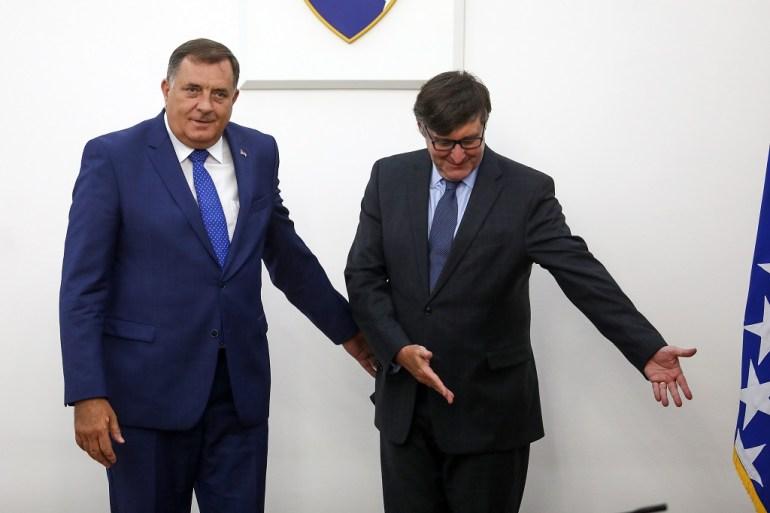 Milorad Dodik se tokom sastanka s Matthewom Palmerom odbio slikati pored zastave Bosne i Hercegovine (Armin Durgut/PIXSELL)