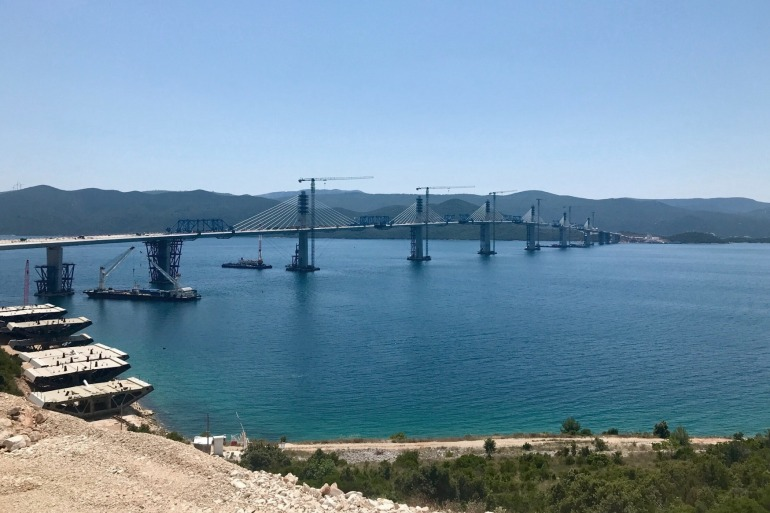 Pelješki mostje najvažniji i najveći infrastrukturni projekt koji trenutno provodimo u Hrvatskoj, rekao Oleg Butković (Wikipedia)
