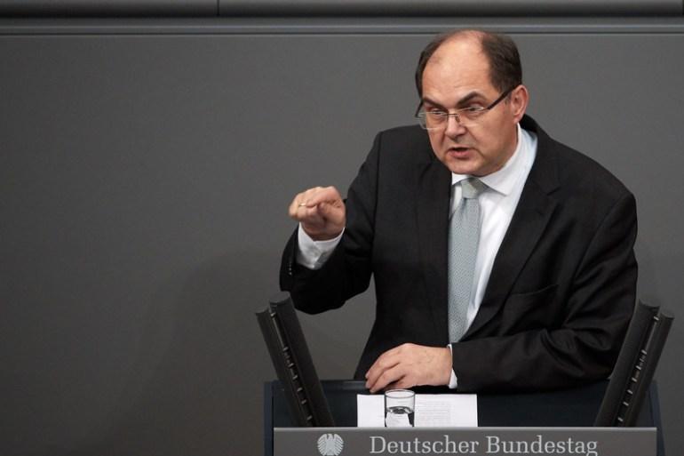 Unutrašnji problem BiH nije između većine i manjine, nego između tri konstitutivna naroda te ostalih, kaže Christian Schmidt (EPA)
