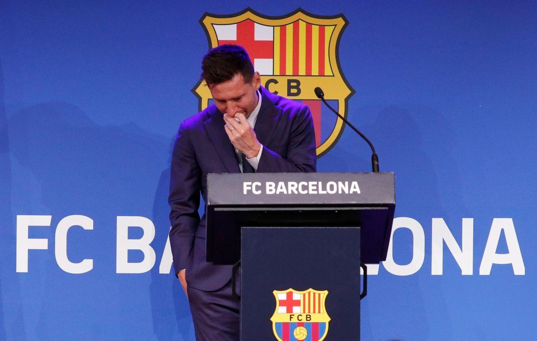 Sve je završilo tako što se Messi rasplakao dok je potvrđivao odlazak iz Barcelone [Albert Gea/Reuters]