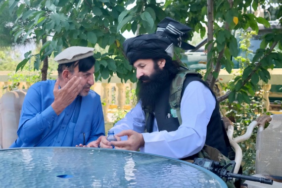 Khalil Ur-Rahman Haqqani (desno), sa bratom Ashrafa Ghanija, koji je nedavno pozvao Afganistance da prihvate vlast talibana (Al Jazeera)