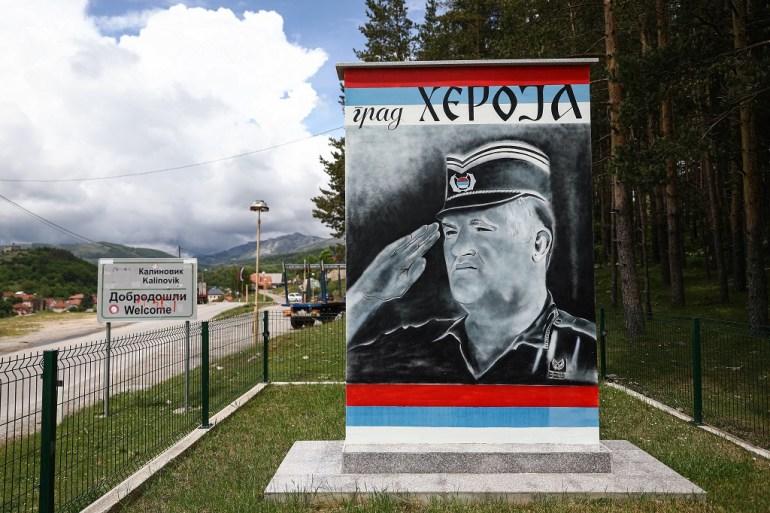 Mural osuđeniku za ratne zločine tokom rata u BiH Ratku Mladiću u njegovom rodnom Kalinoviku u BiH (Armin Durgut / PIXSELL)