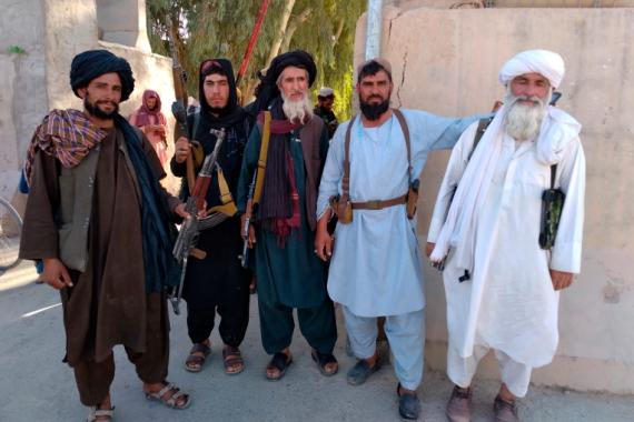Talibani u gradu Farah, glavnom gradu provincije Farah jugozapadno od Kabula (AP)