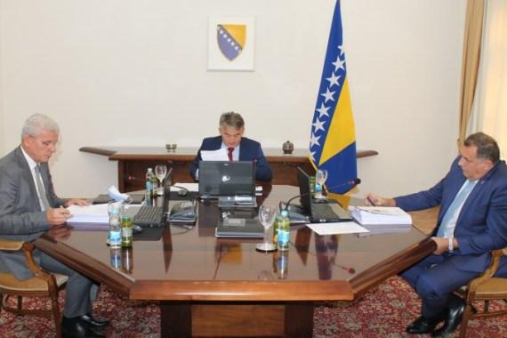 Predsjedništvo nije postiglo konsenzus niti o odlukama iz oblasti odbrane (Fena)
