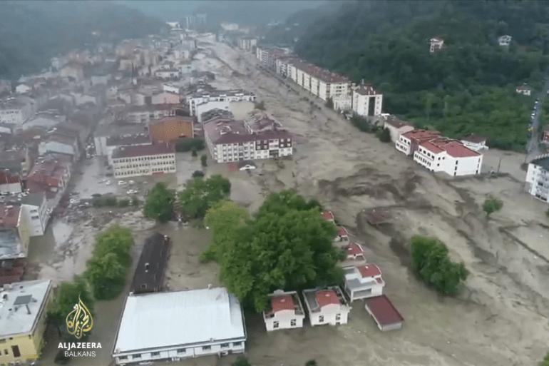 Svakodnevne slike katastrofalnih poplava, oluja i žega kod mnogih izazivaju paniku (Arhiva)