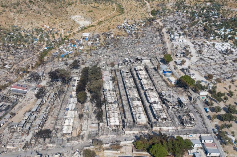 Šumski požari potaknuti vrućinom i sušama gutaju čitave gradove na zapadu SAD-a, oslobađaju rekordne razine plinova iz sibirskih šuma i tjeraju Grke da bježe iz svojih domova trajektima (EPA)